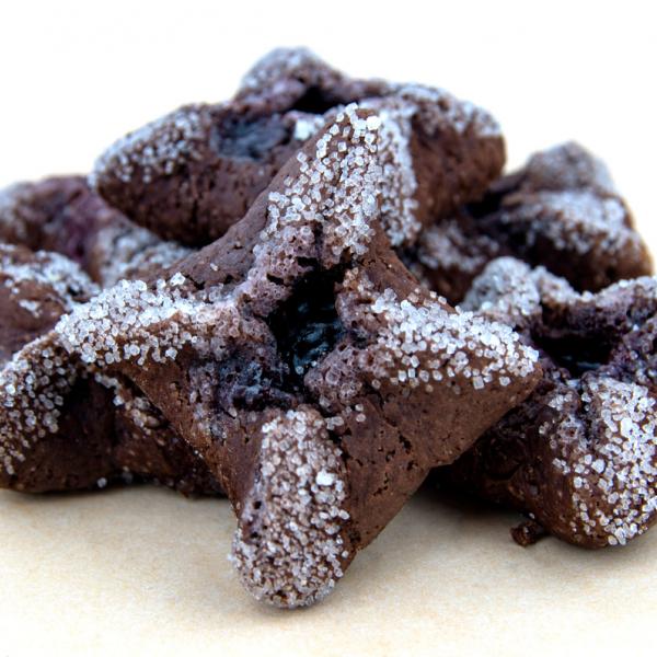 Шоколадови бисквити с пълнеж от череша