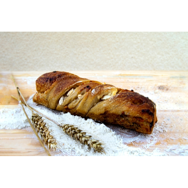 Ръжено - пшенично хлебче със сирене