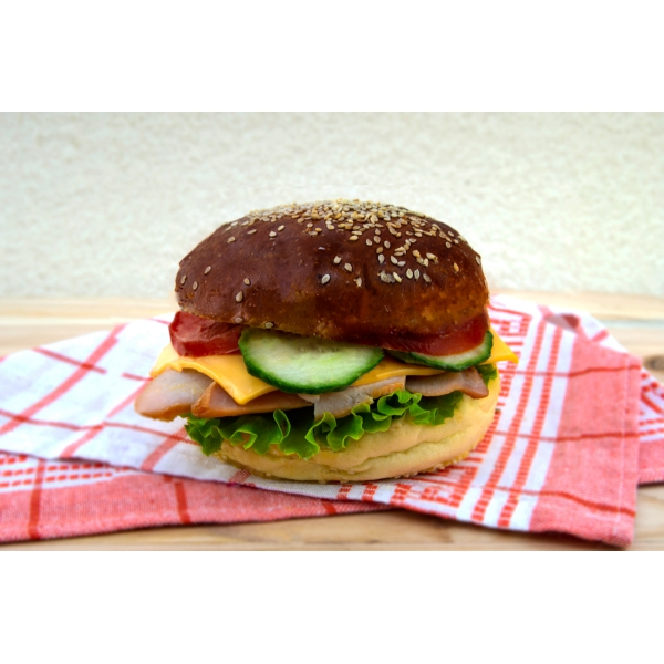 Сандвич с пилешко филе и чедър